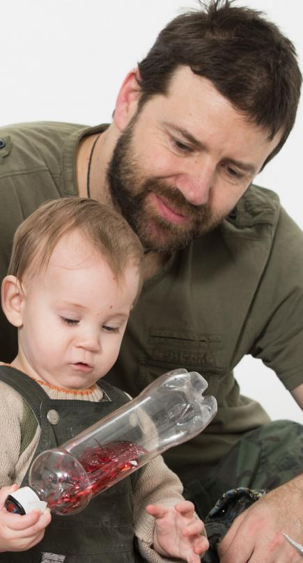 baby and dad with visibottle
